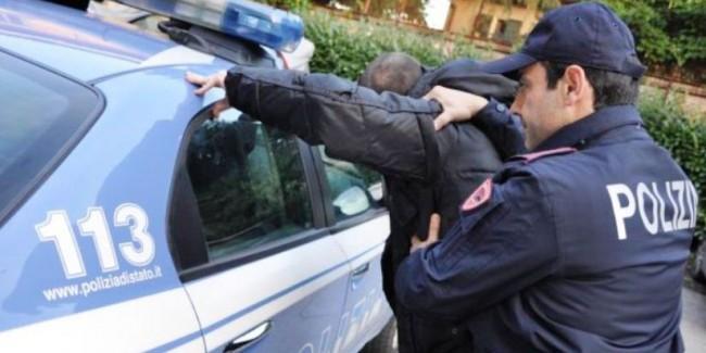 Arresto per estorsione: si presenta a casa della madre nonostante il divieto di avvicinamento