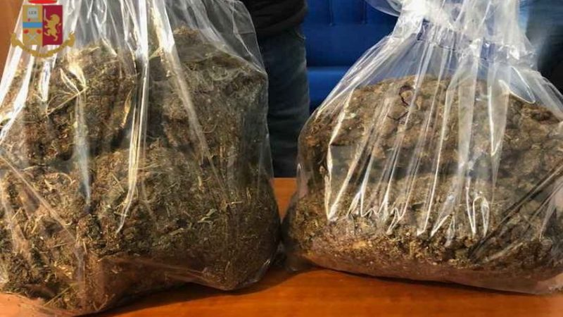 Trastevere: il curioso caso della donna che utilizzava l'aglio per mascherare l'odore della marijuana