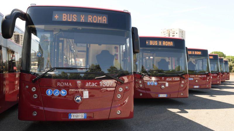 Minaccia e insulta l'autista di un autobus di linea: scatta la denuncia