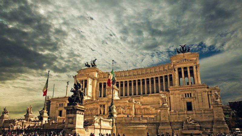 Importanti aiuti economici per i cittadini Romani