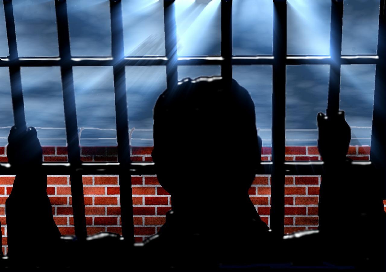 La mano della mafia dietro alle rivolte nel carcere romano