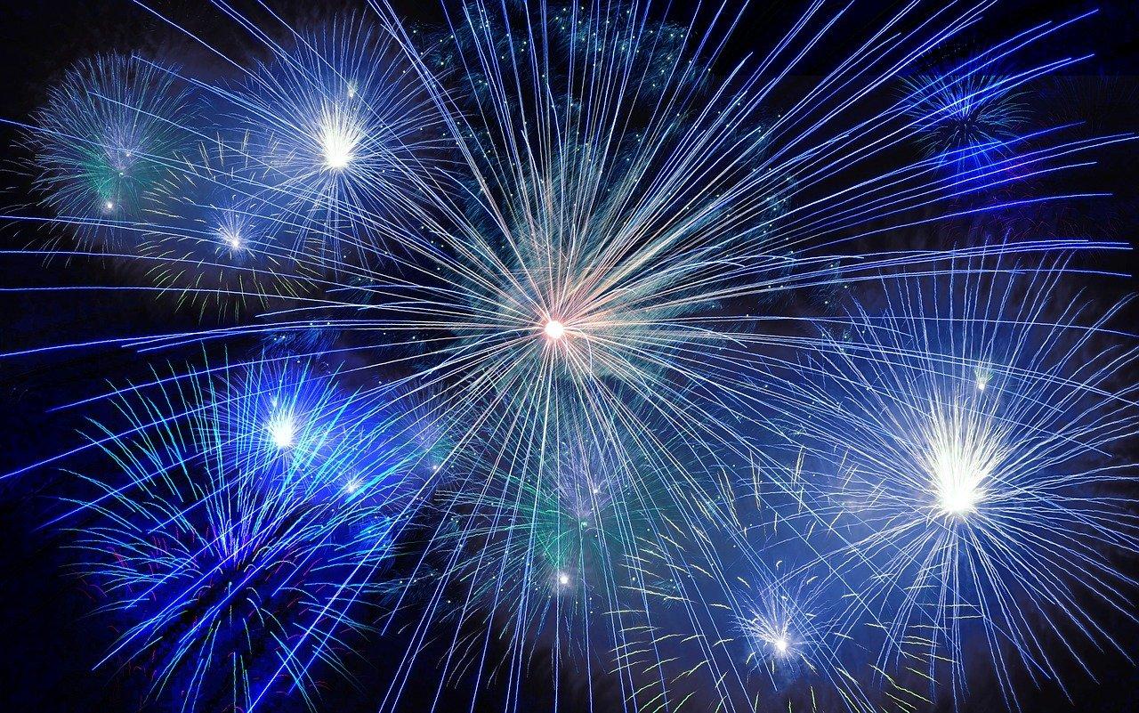 Roma, Virginia Raggi vieta i fuochi d'artificio per la notte di Capodanno