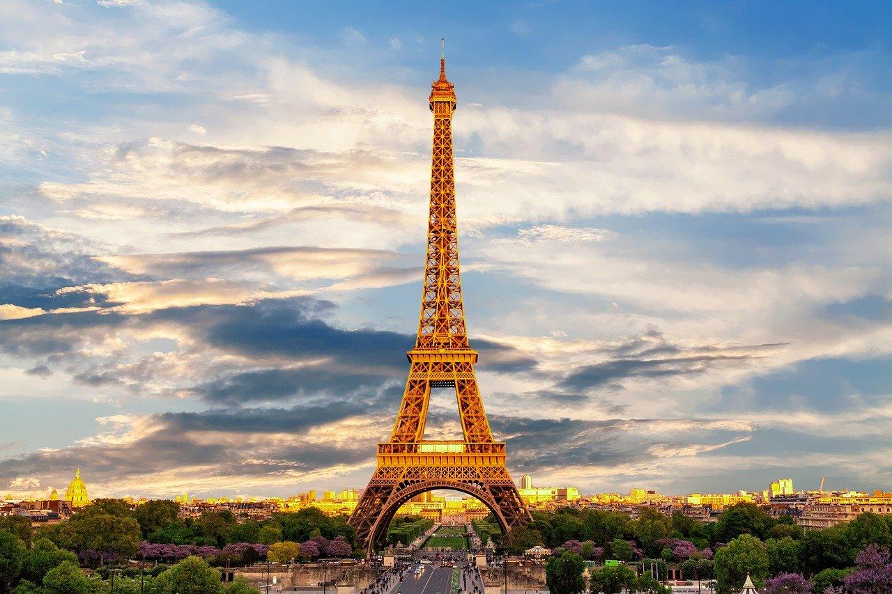 Mattarella va a Parigi dopo un anno e mezzo di pandemia